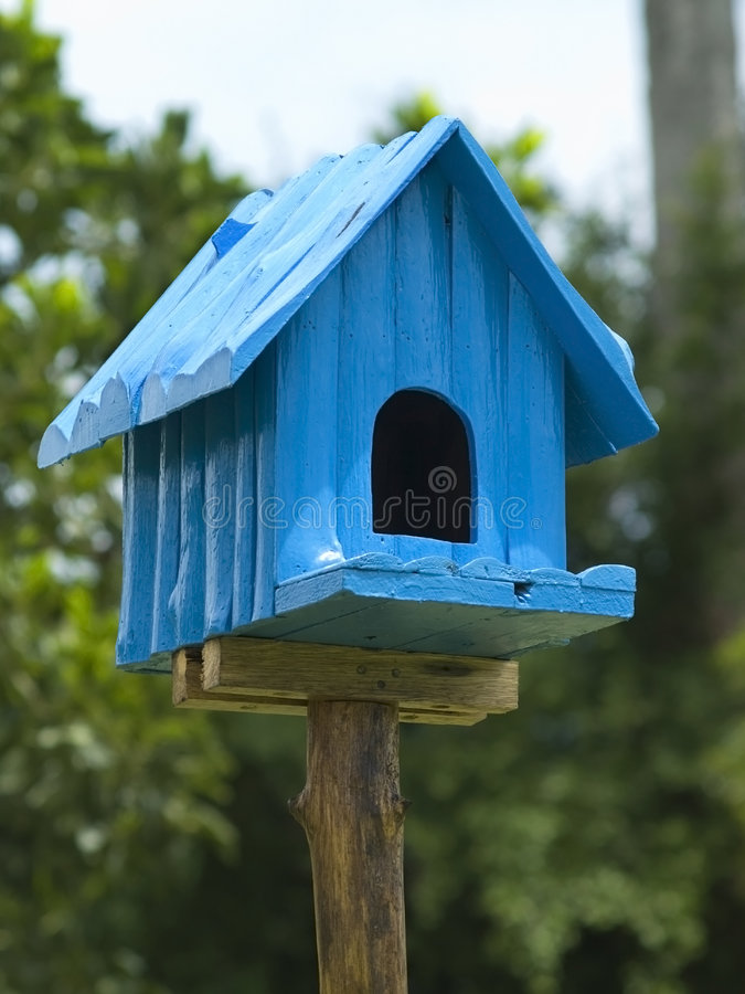 синь birdhouse стоковое изображение rf