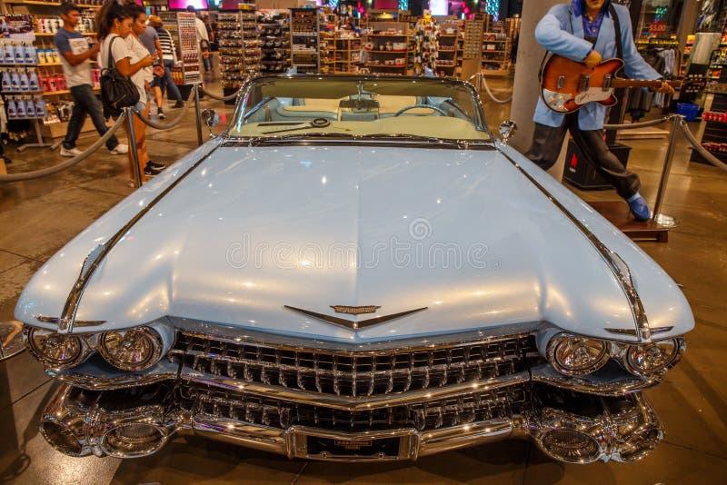 Синь Cadilac ` s Elvis Presley стоковые фотографии rf