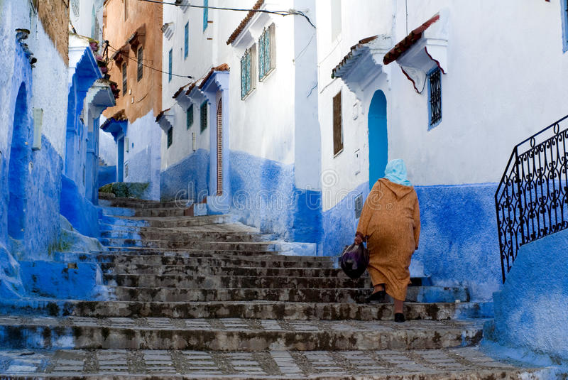 синь chefchaouen город стоковое фото rf