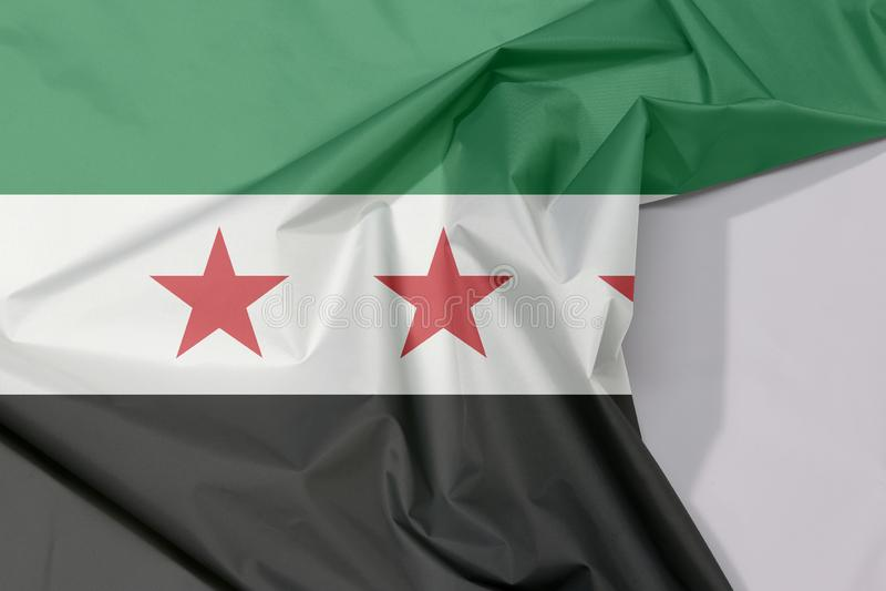 Сирийские crepe и залом флага ткани временного правительства с белым космосом иллюстрация вектора