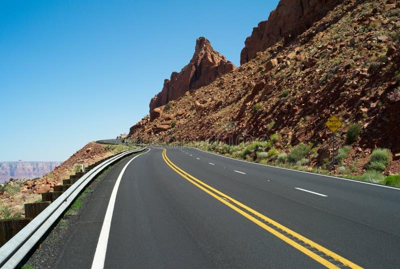 Сиротливая дорога в Аризоне, США стоковые изображения