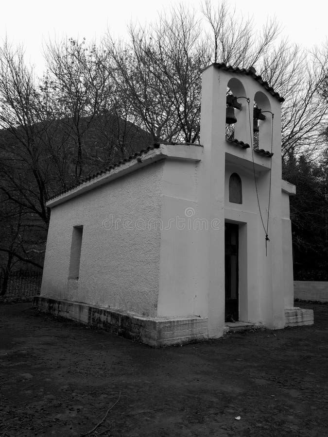 Сиротливая церковь стоковое фото rf