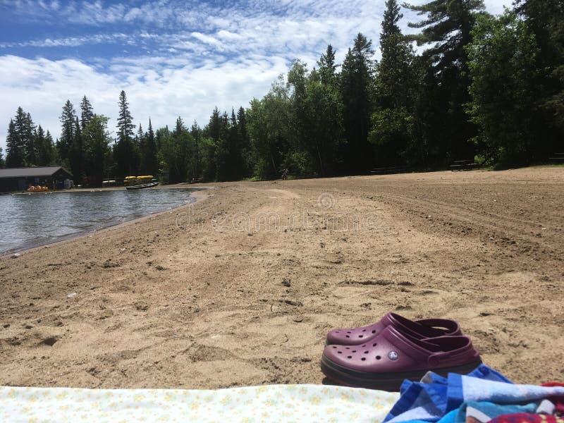 Сиротливый день на пляже стоковое изображение rf