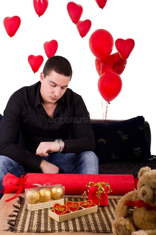 Сиротливый ждать гомосексуалиста стоковые фото
