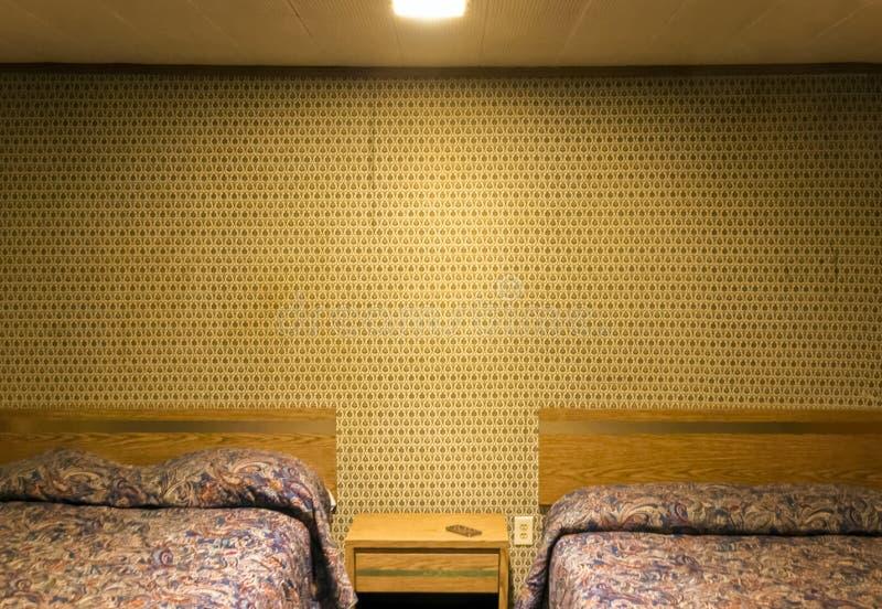 Сиротливая комната в мотеле стоковое фото