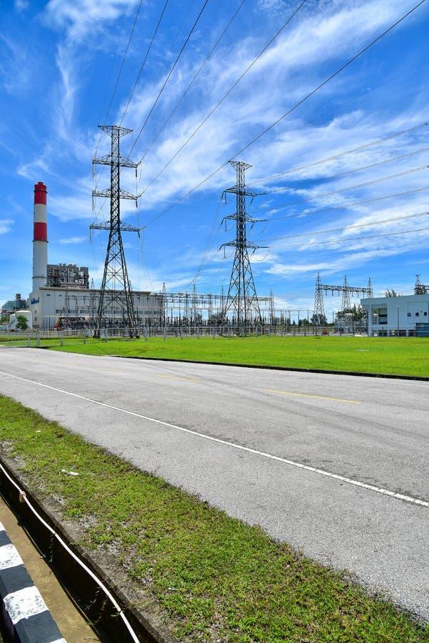 Система опоры электричества напряжения тока высоты стоковое изображение rf