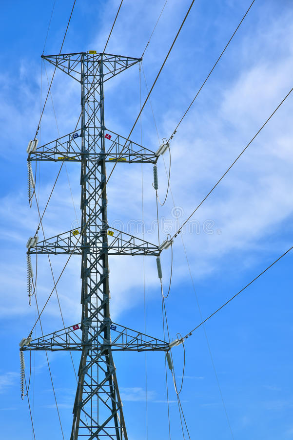Система опоры электричества напряжения тока высоты стоковая фотография rf
