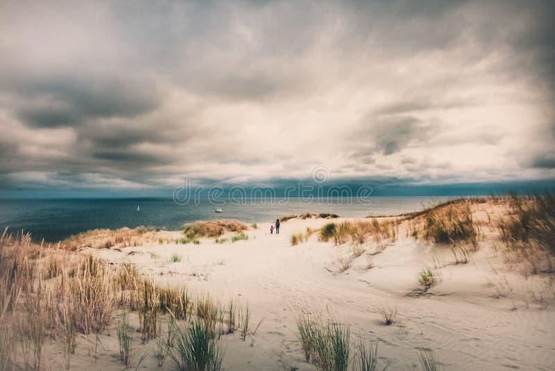 Система песчанной дюны, Балтийское море, вертел Curonian, Литва стоковое фото rf