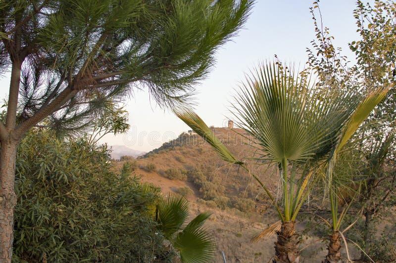 Система связи башни Torre atalaya между побережьем и стоковая фотография