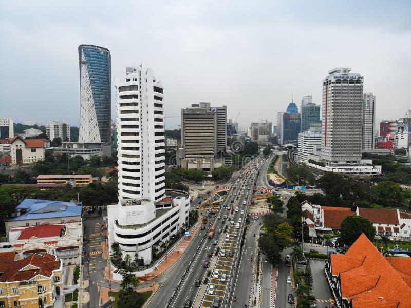 Ситуация в городе во время часов взгляда украдкой стоковые изображения