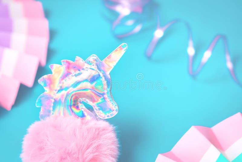 Сияющая голографическая мягкая голова единорога игрушки стоковые изображения
