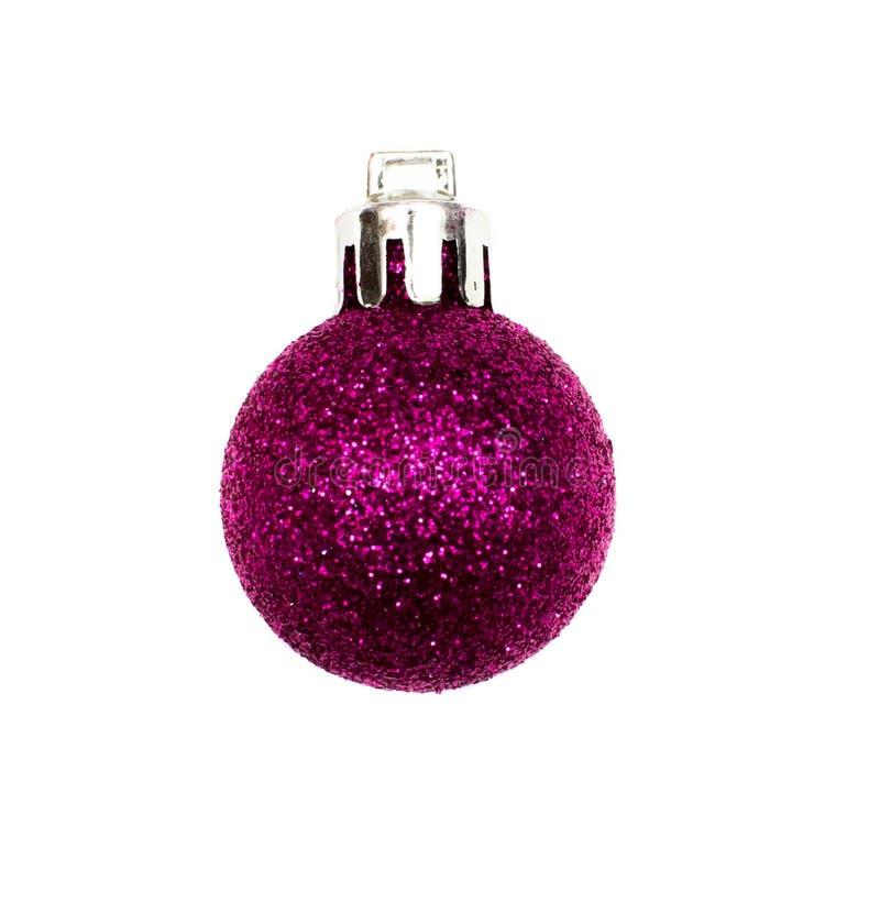 Сияющий изолированный шарик рождества стоковые изображения