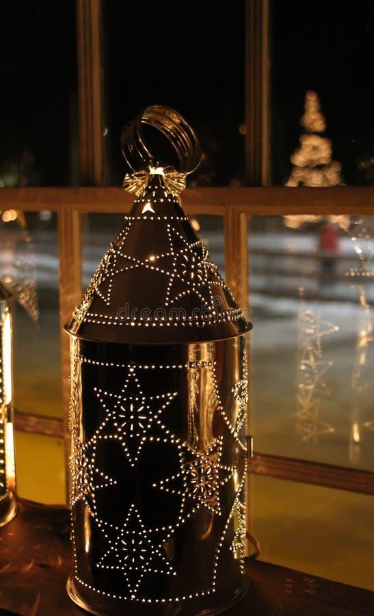 Сияющий фонарик олова стоковое изображение