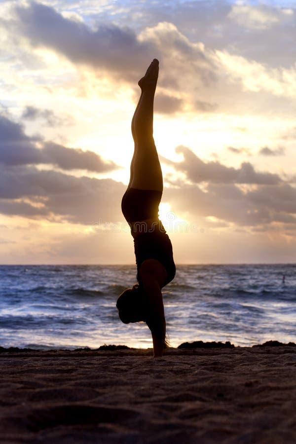 Силуэт йоги стоковая фотография