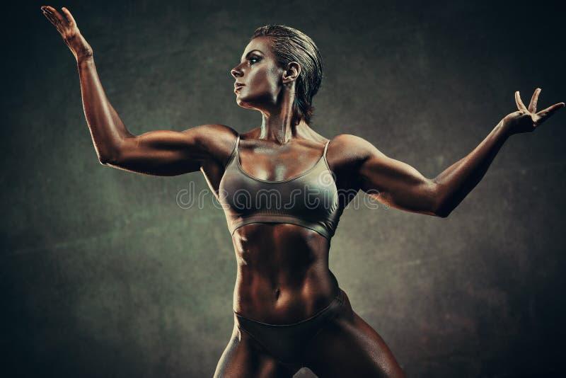 Сильная женщина спорт стоковое фото rf