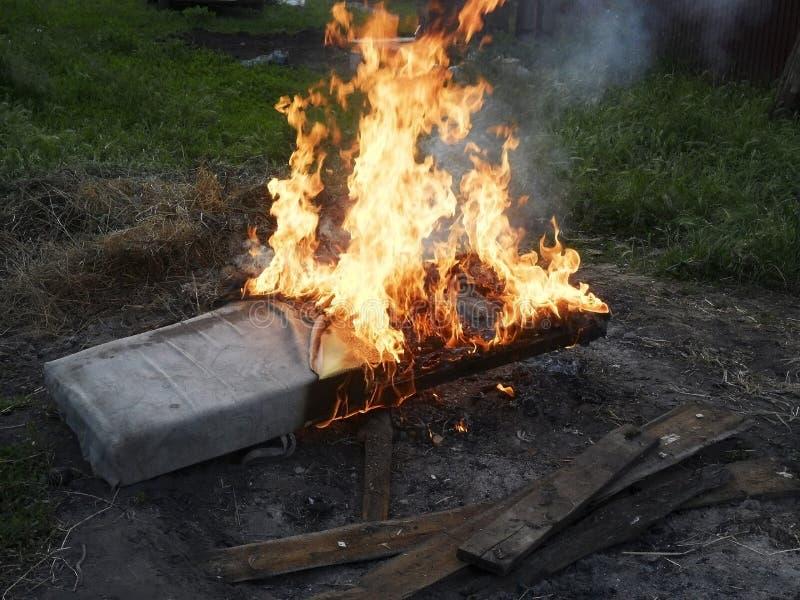 Сильно горящие matress стоковые изображения