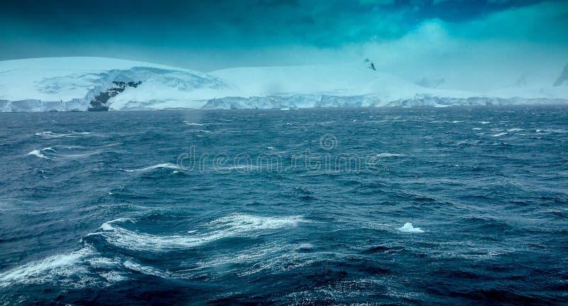 Сильные волнения в Антарктике стоковые изображения