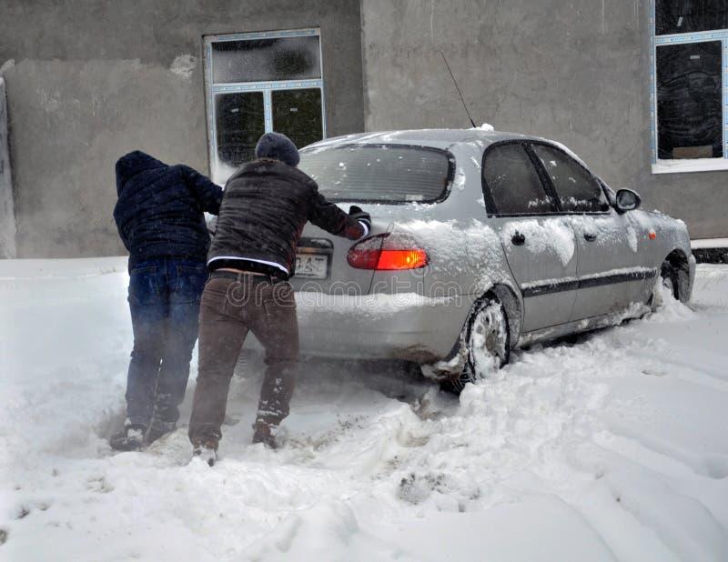 Сильный снегопад и вьюга стоковые изображения