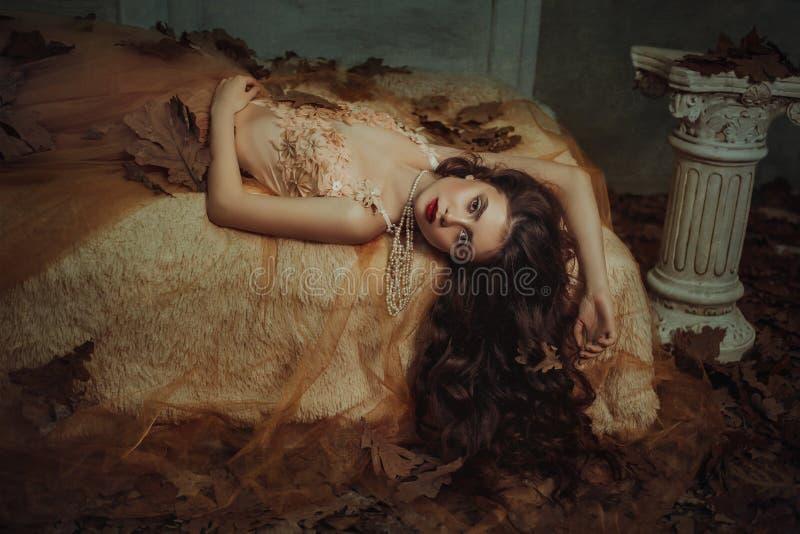 Сказ спящей красавицы стоковое изображение