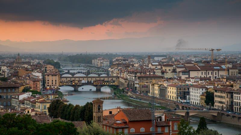 Скайлайн города Флоренция в Италии стоковые изображения rf