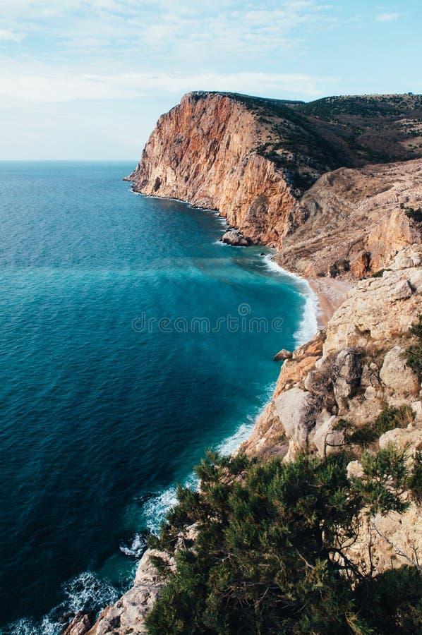 Скала над морем Balaklava, Крымом стоковые фотографии rf