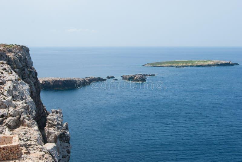 Скала на Средиземном море острова Minorca стоковая фотография rf