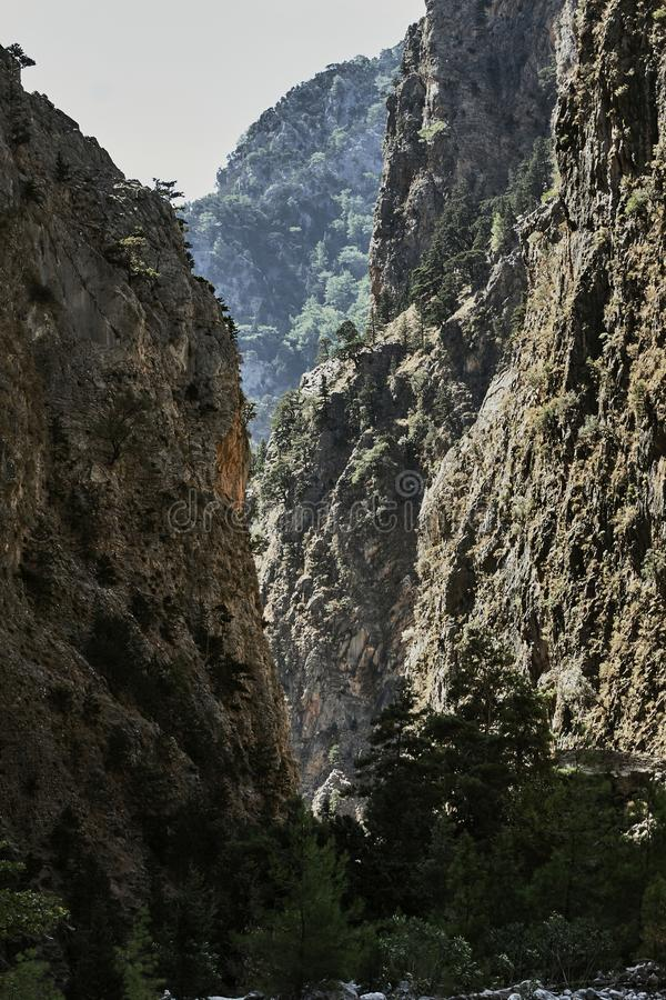 Скалистое ущелье Samaria на острове Крита стоковые фотографии rf