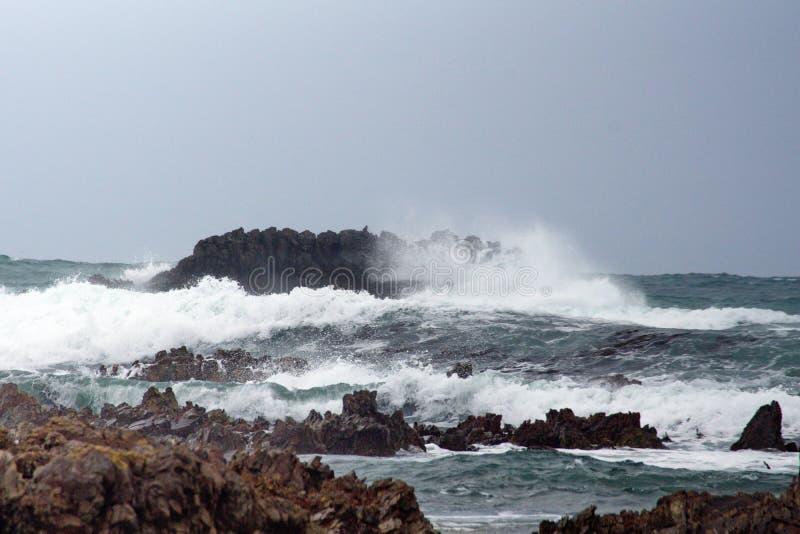 Скалистый островок с Kleinbaai стоковые изображения