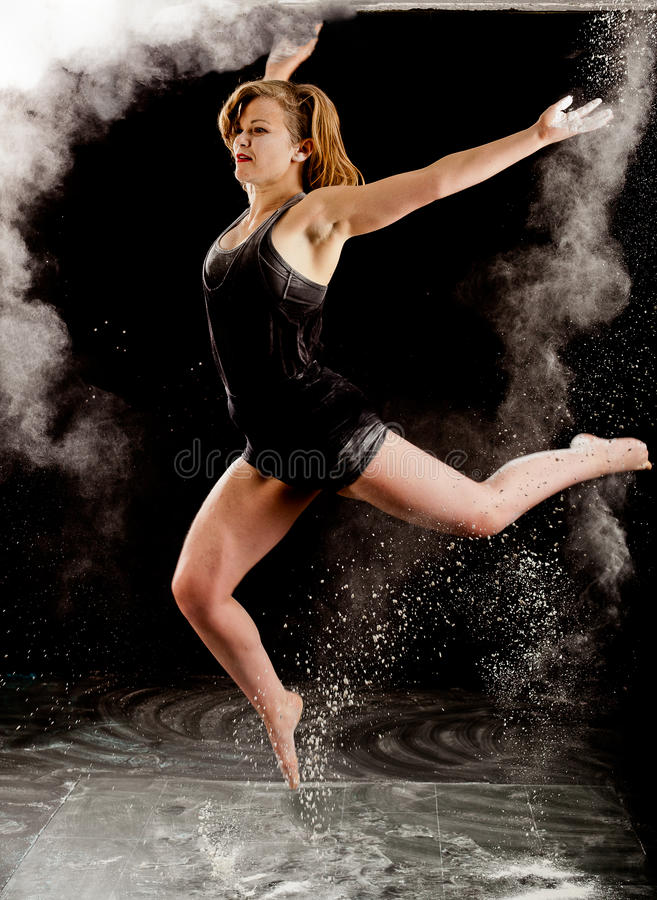 Скачка балета Contemporay стоковое фото rf