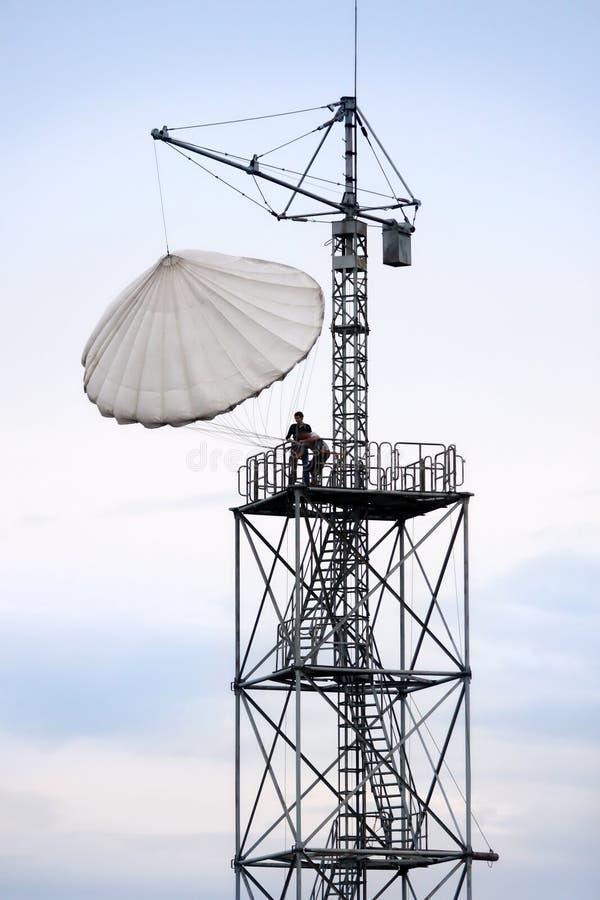 скачки парашютируют к тренировке стоковые фотографии rf