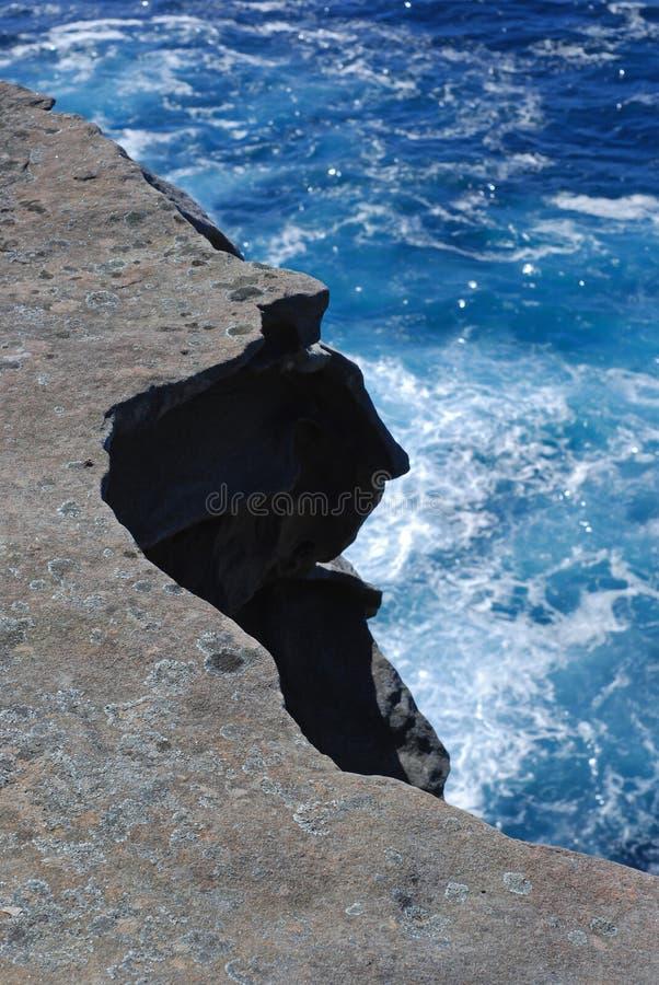 Download Скала залива Уотсона в Сиднее Стоковое Фото - изображение насчитывающей освежать, океан: 37926702