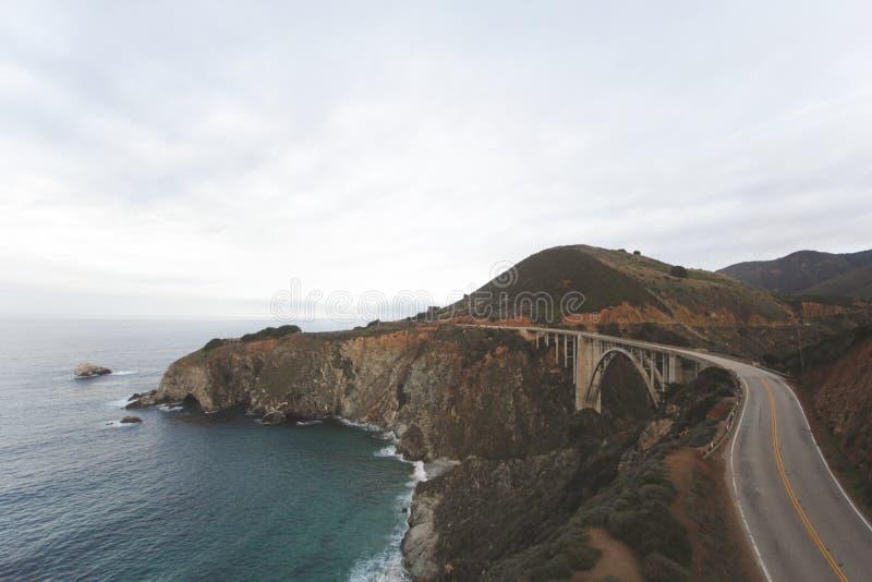 Скалистая прибрежная дорога стоковые фото