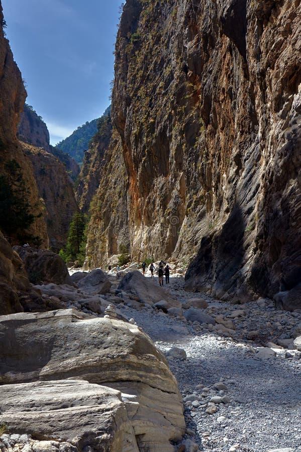 Скалистое ущелье Samaria наклонов стоковое фото rf