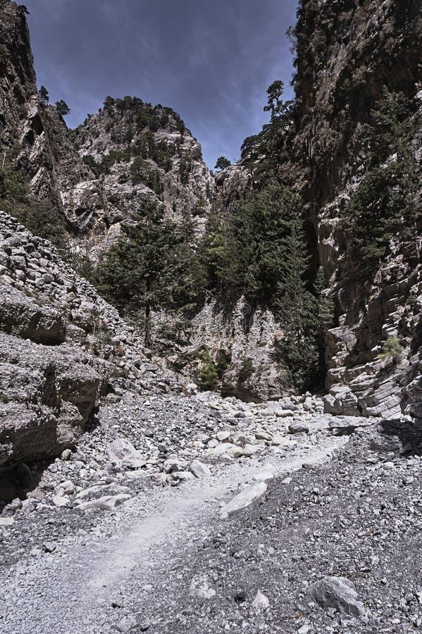 Скалистое ущелье Samaria наклонов стоковое фото