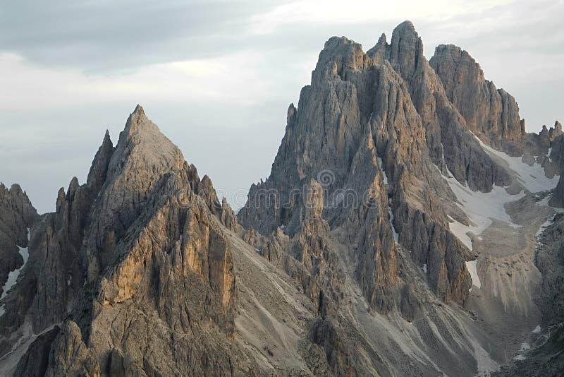 Скалы горы доломитов стоковые изображения