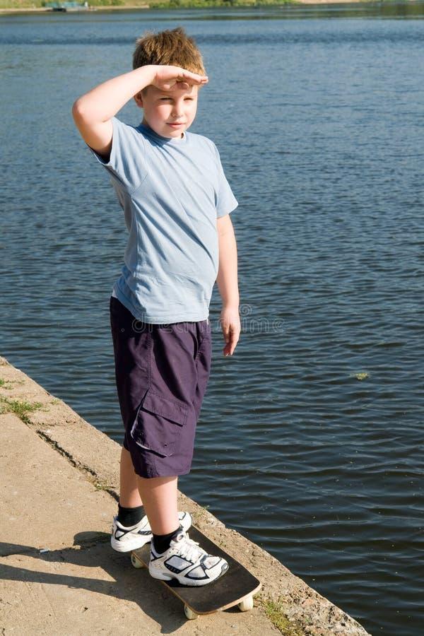 скейтборд мальчика стоковая фотография rf