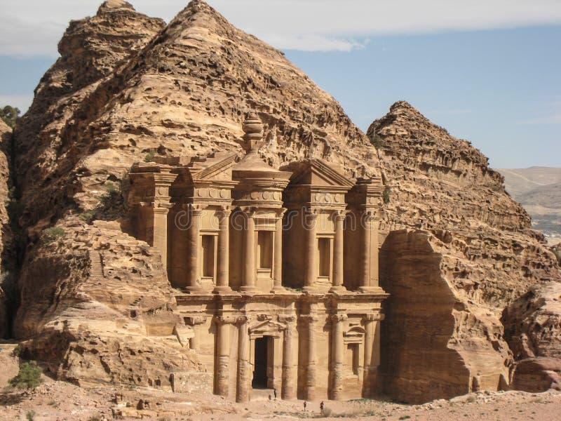 Скит или объявление Deir на Petra. Иордан стоковые фото