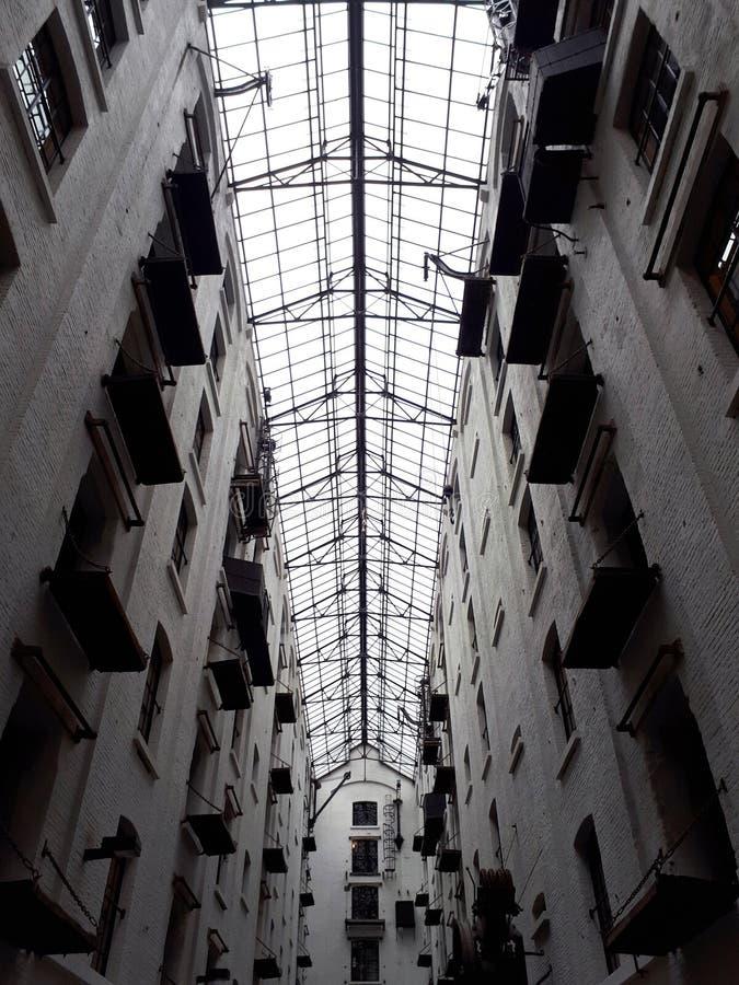 Склад Феликса в Антверпене, Бельгии - настелите крышу деталь стоковая фотография