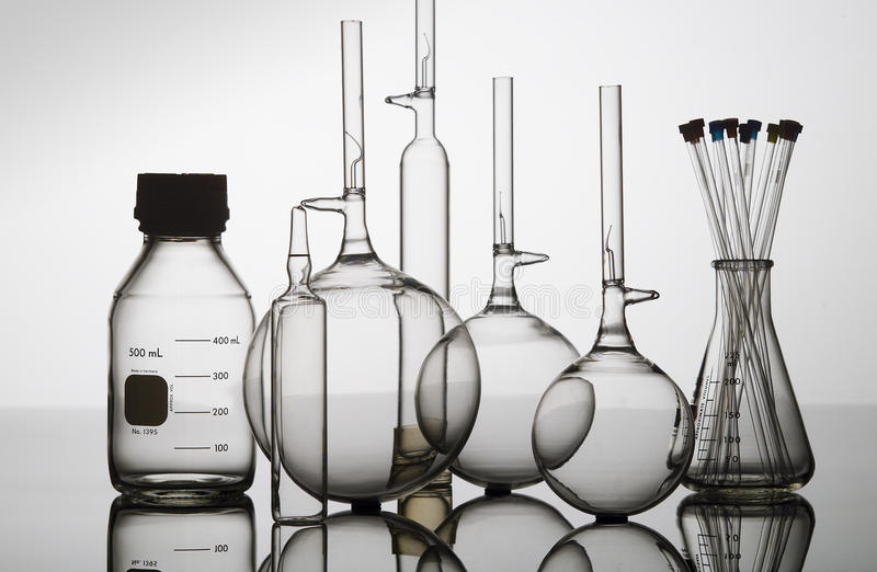 склянки бутылки beakers стеклянные стоковые фото