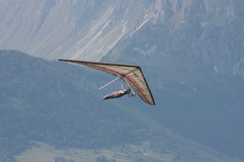 Скользить Hang в швейцарском альп стоковая фотография rf