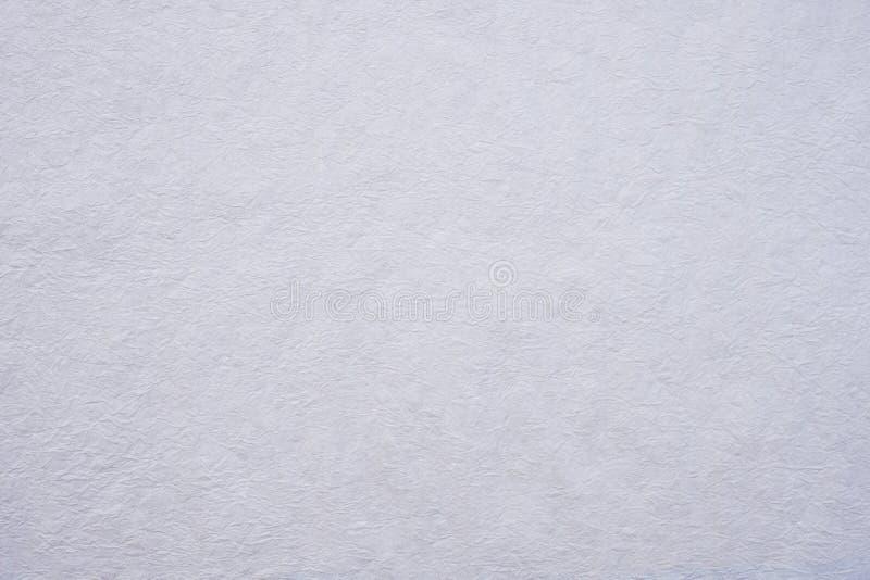 Скомканная предпосылка текстуры бумаги белой шелковицы стоковое фото rf