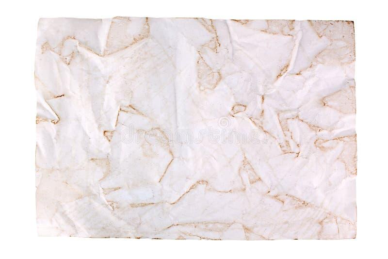Скомканная старая коричневая бумага на белой предпосылке изолированной близко вверх с plase текста, сморщила грязный пустой лист  стоковое изображение