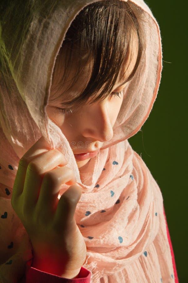 Скорба маленькой девочки стоковое изображение