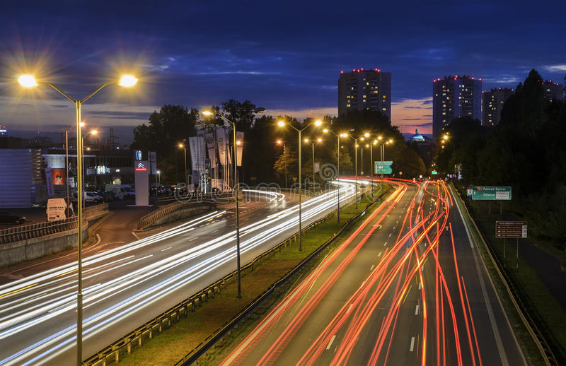 Скоростное шоссе в Катовице, Польша в вечере стоковые фото