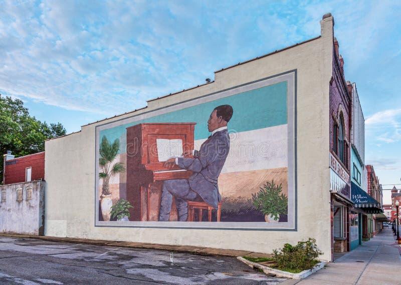 Скотт Joplin играет настенную роспись рояля в Sedalia стоковая фотография
