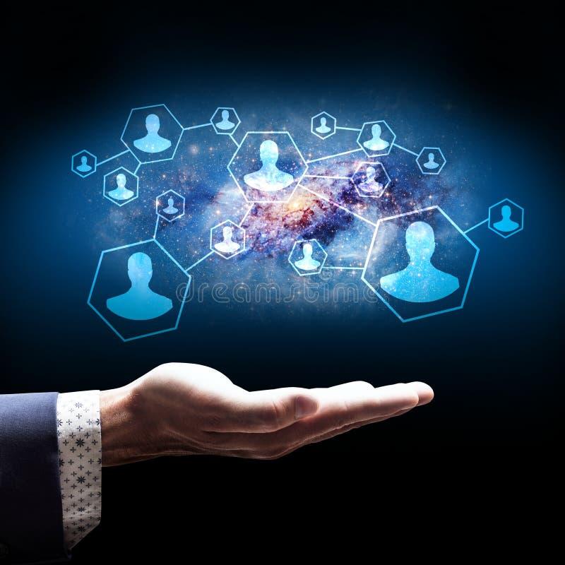 Скрепления настоящего момента бизнесмена в социальной сети иллюстрация вектора