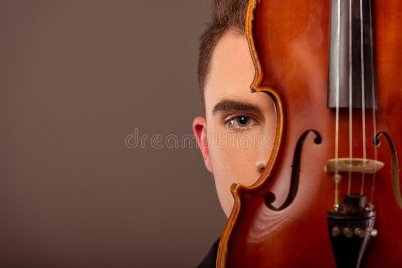 Скрипка аппаратуры музыки стоковое фото rf