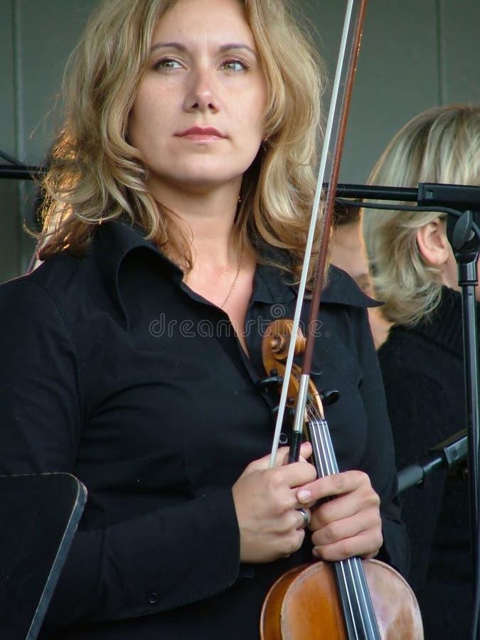 скрипка игрока стоковое изображение