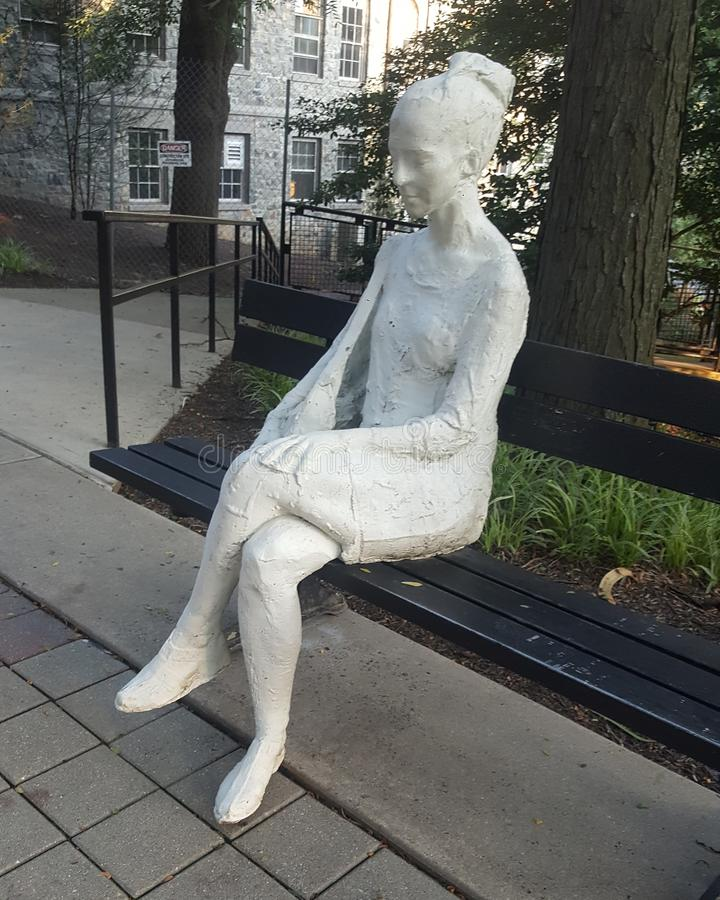 Скульптура женщины стоковые изображения
