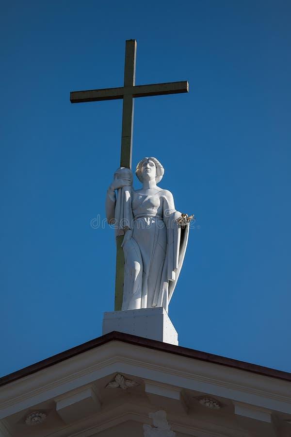 Скульптура Острова Св. Елена на фронтоне собора Вильнюса стоковые изображения rf